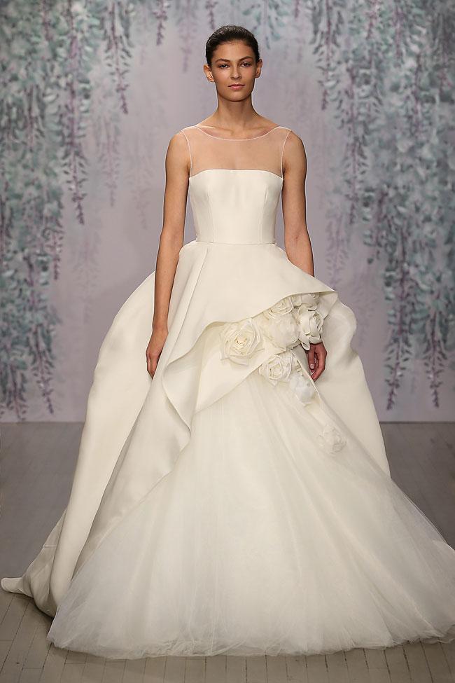 Collezione-abiti-da-sposa-autunno-2016-Monique-Lhuillier-con-fiori-applicati