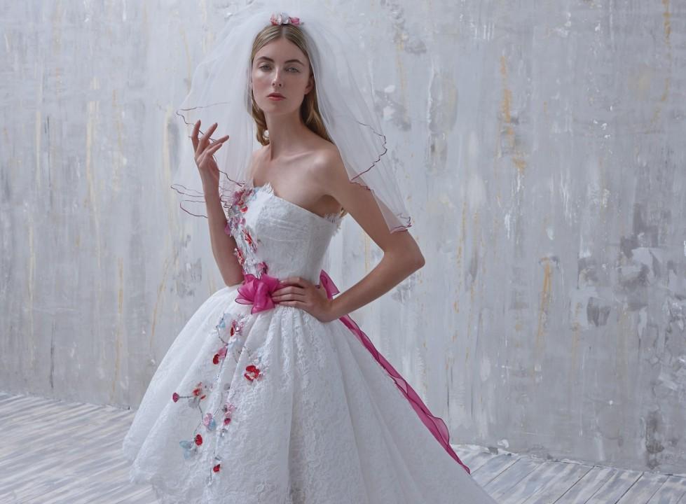 abito-con-decori-floreali-fio-couture
